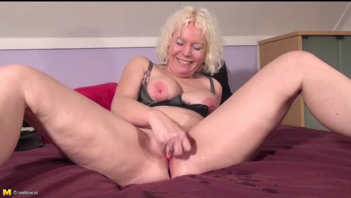 Grandma Wants Grandpa To Squirt Some Cum