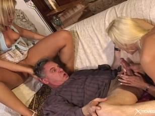 smotret-porno-roliki-ne-slishat