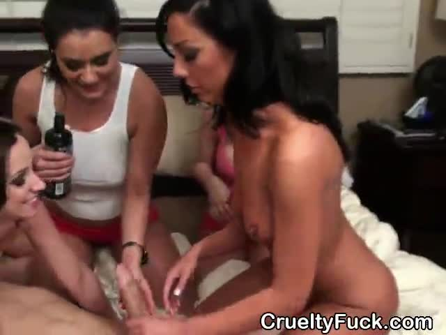Girl Sucks Dick While Phone