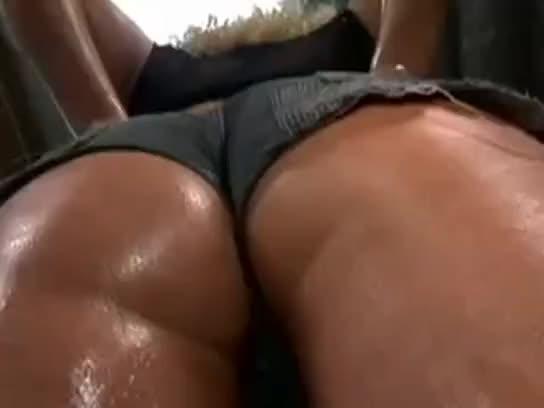 Mia bangg bubble butt anal tube