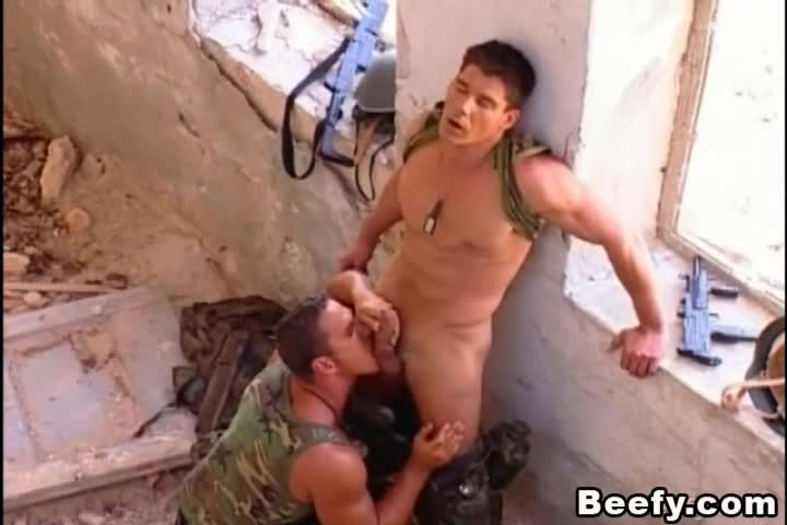 porno-video-seks-v-armii