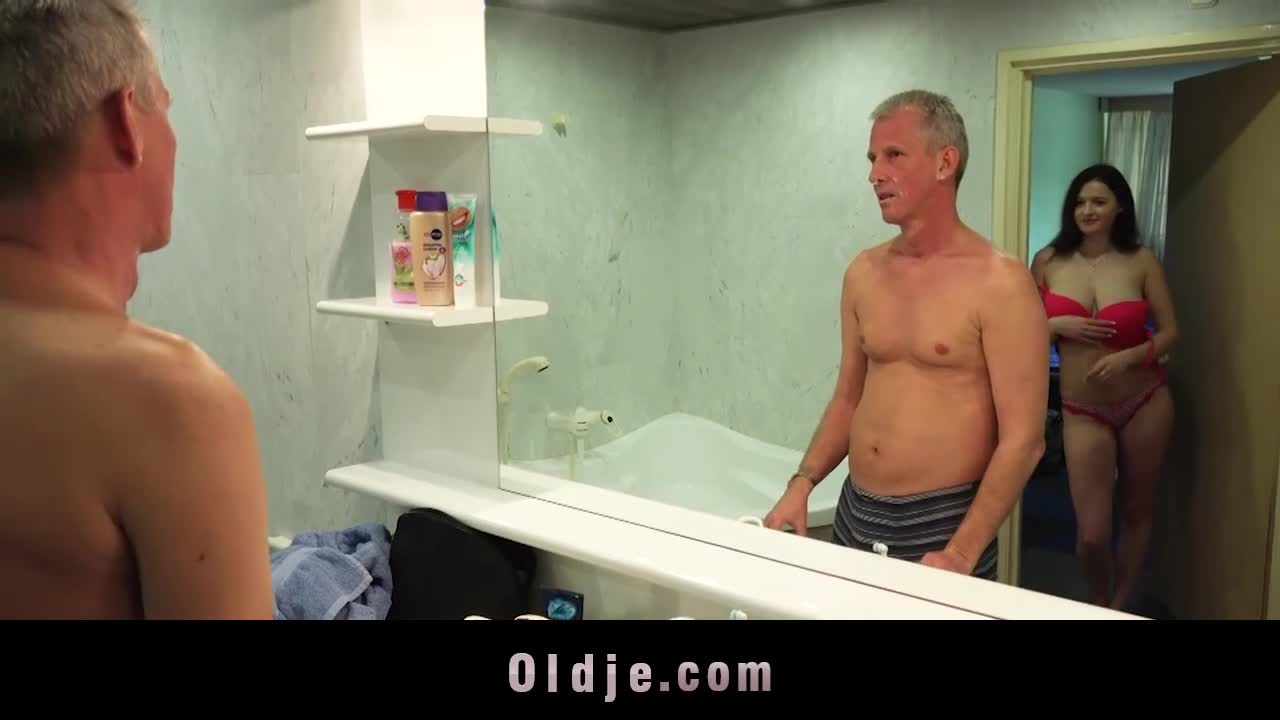 Old man fucking in bath Girl