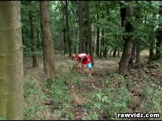 Порно в лесу ретро