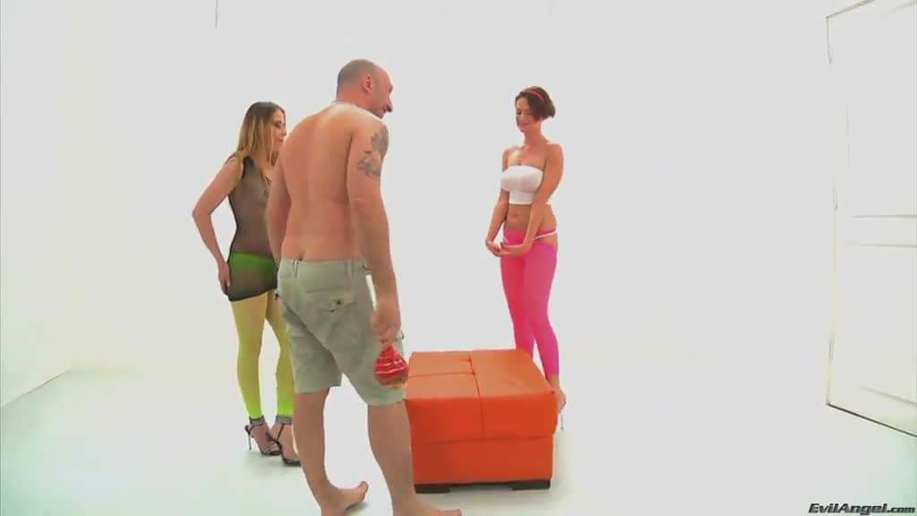 Omar Galanti Drills Two Hot Pussies In A Hardcore <strong>Ffm</strong> T...