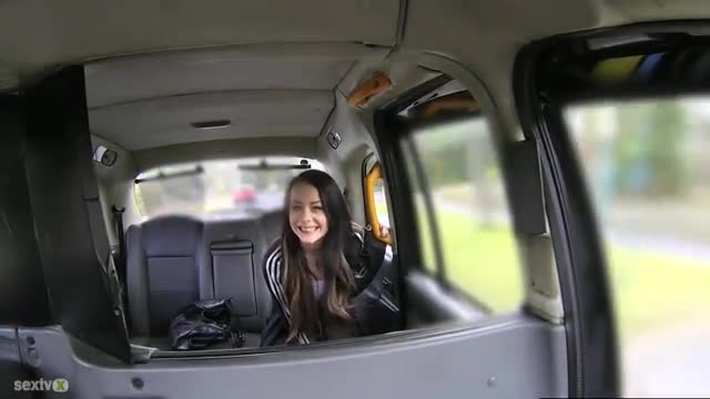 Flashing Facialized Teen Amateur In Fake Taxi:
