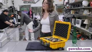 Amateur With Glasses Pounded By Pawn Guy At The Pawnshop