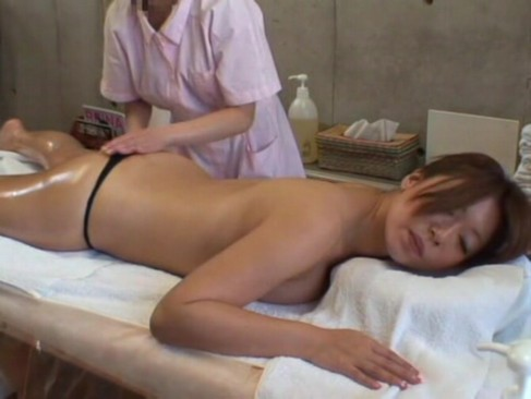 busty babe seduced in massage