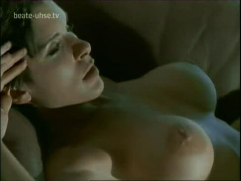 Hardcor trannie ass pounding