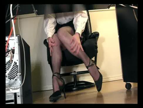 Порно Скрытая Под Столом