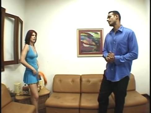 Dona de casa fazendo sexo anal com o marido