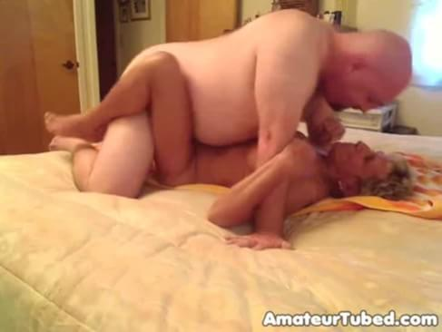 Смотреть порно бабули в миссионерской позе