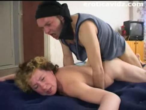 porno-babulya-hochet