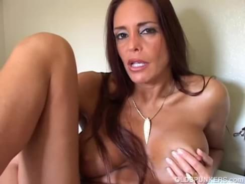 video mature brunette winking asshole