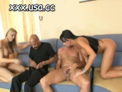Время видео - (19 min). Trina Michaels имеет большой выпуклый груди онлайн фонтаны спермы п