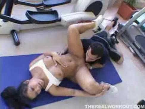 Amateur fucking a huge dick