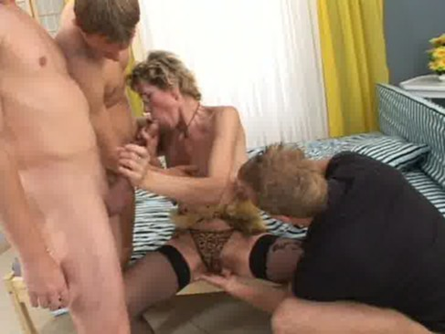 Slim mature granny fucking sex with young man semi gangbang on the bed