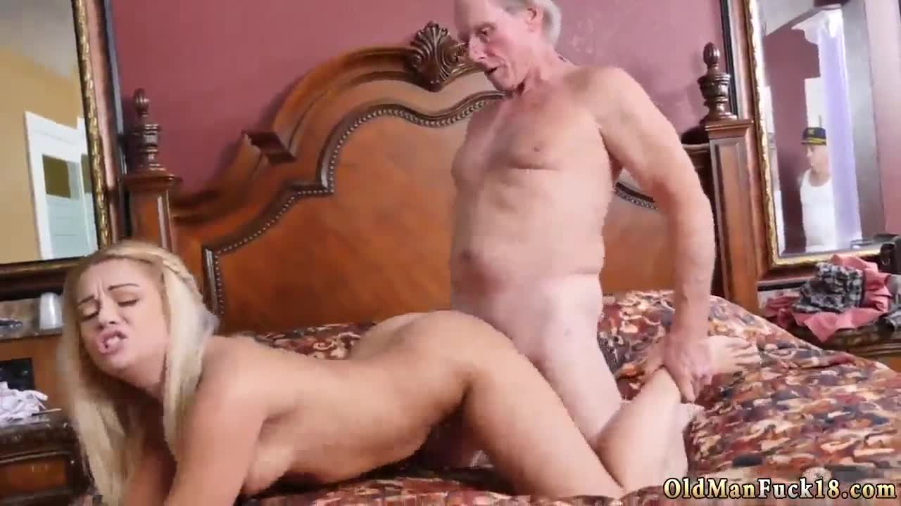 Amateur Cuckold Cums Watching