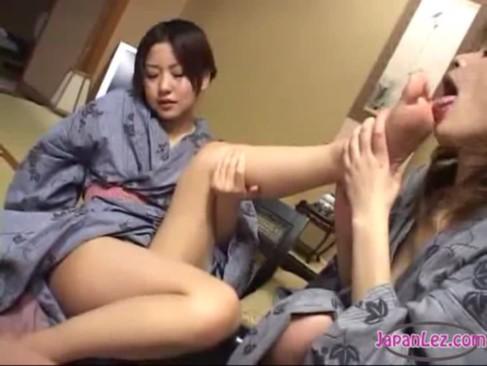 China Lick Feet Boy