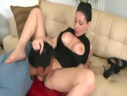 video divorced cougar gets lucky with younger laid
