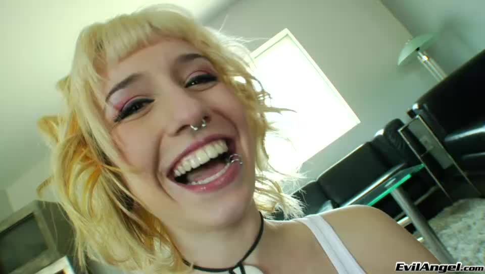 Slutty Blonde Honeys Phoenix Marie And Proxy Paige Gets