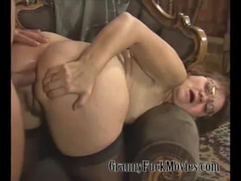 porno-video-ebli-russkie