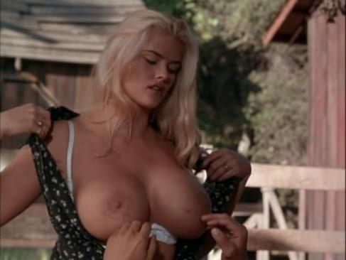 smith showing pussy off her Anna nicole