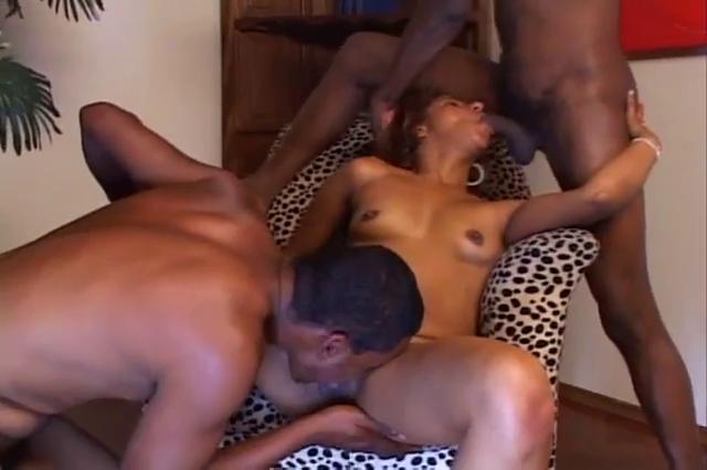 Threeway Ass Pounding For Bisexuals