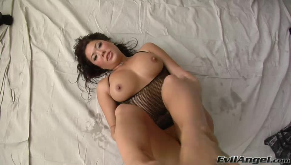 London strokes hard dong with her feet and sucks the cum out