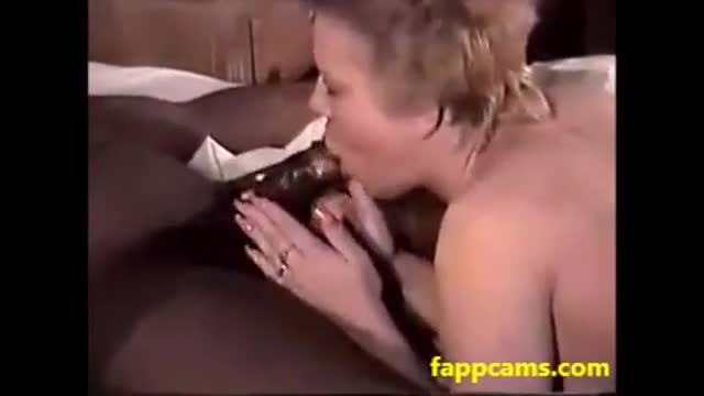 amateur chubby milf big tits