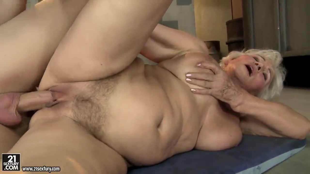 Wife otngagged short hair big cock