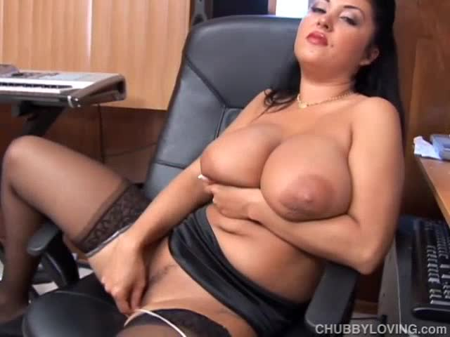 Hairy pussy handjob