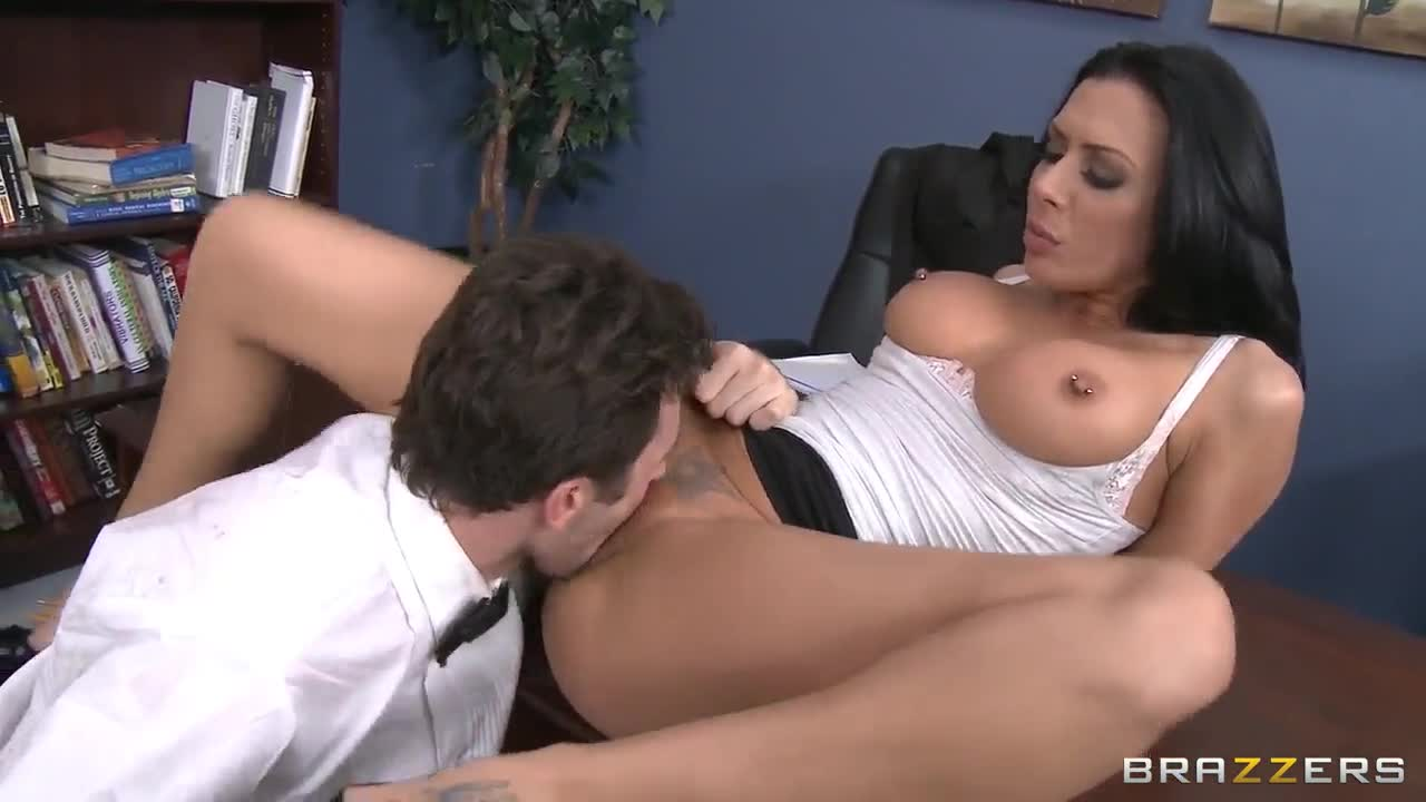 Beso lujurioso de alex torres y rosemary fox - 3 part 4