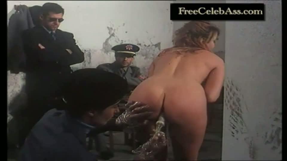 smotret-pornushku-politsiya-striptiz
