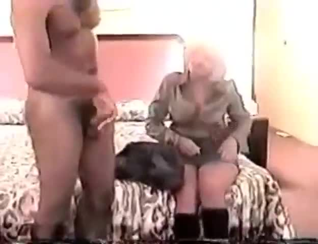Huge dick shemale xvideo