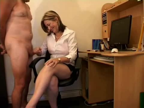Free clip of lois griffin naked