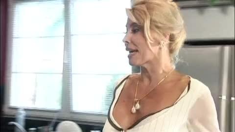 porno-s-milly-abbraccio