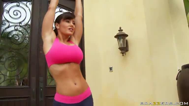 Britney spears pregnant bikini