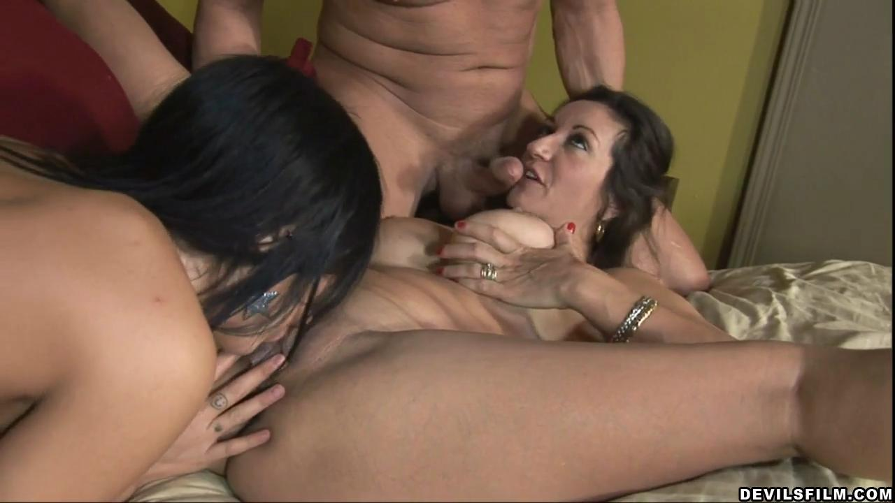 Mom Licks Daughter S Pussy