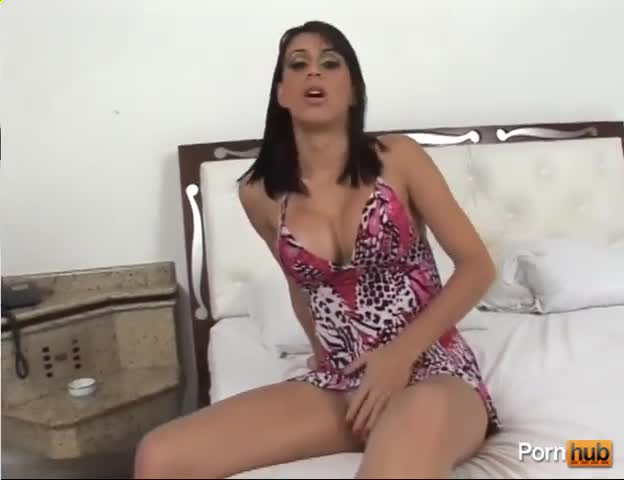 Fingering and fisting amateur