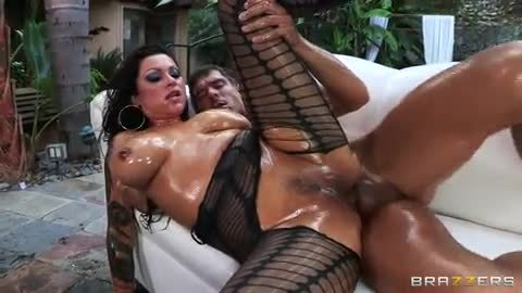 Busty roxii blair fucked after her daily workout session 5