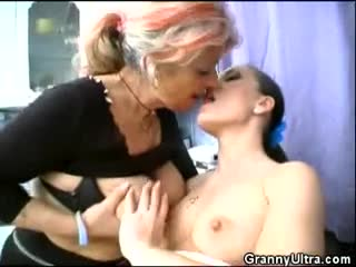 A hot mature cock sucking session
