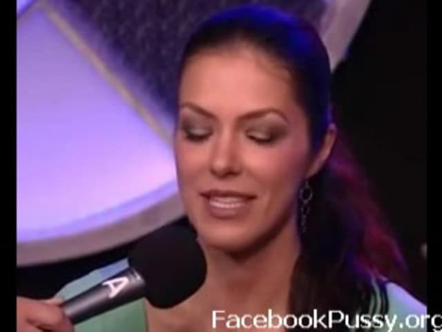 Adrianne curry rides sybian 10