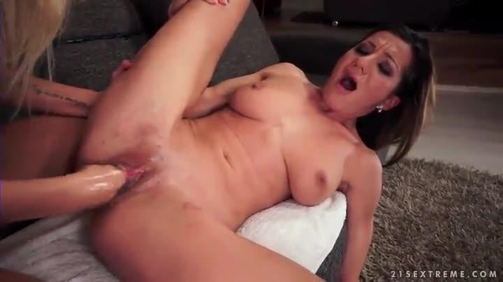 free boob shots