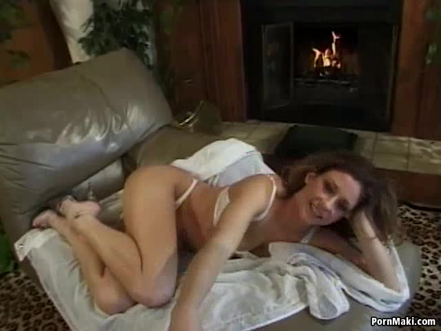 Nude moms having sex