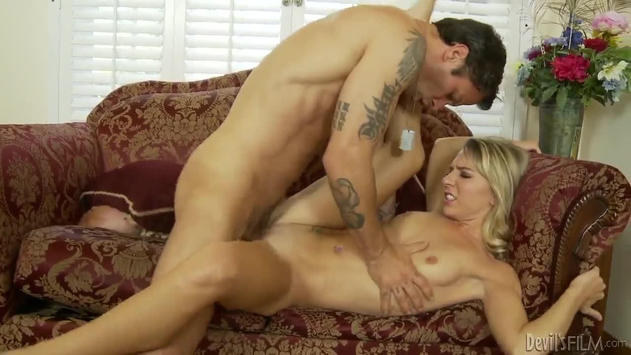 Kiara Knight Porn Clips