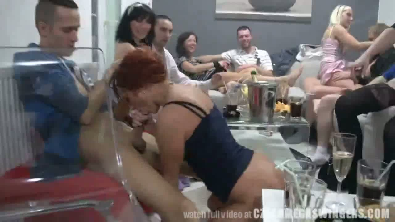 couple swinger party