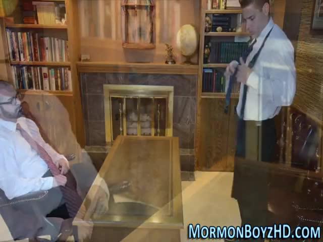 Amateur mormon jerks off
