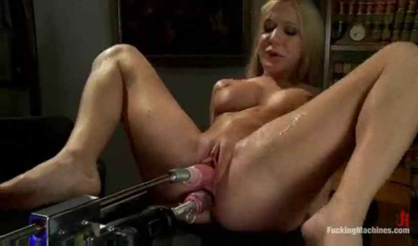 girls squirting fuck machine