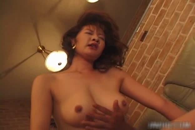 24yr old busty slut using her mouth to make boyfriend cum 3