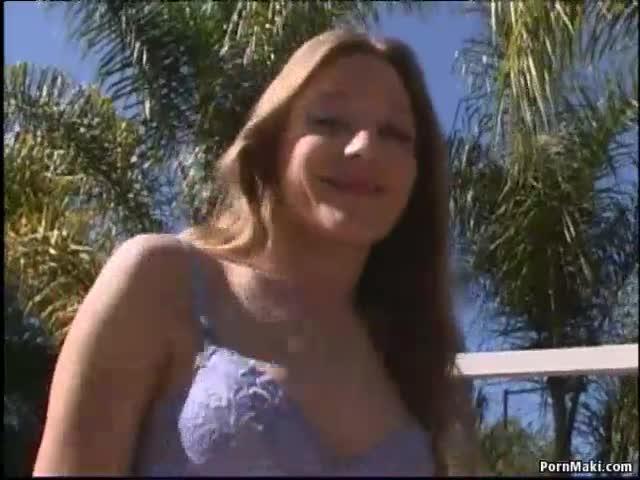 Hot lesbian suck pics